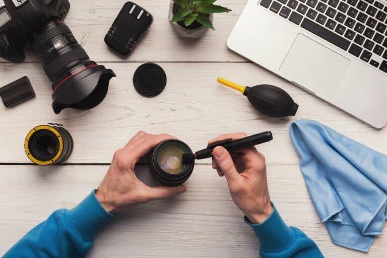Hoe onderhoud ik mijn camera en lenzen?