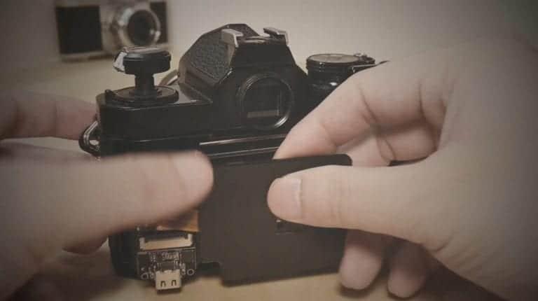Zo maak je van een oude Nikon FM een digitale camera
