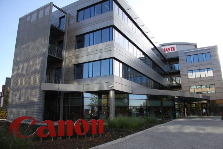 Canon ziet licht aan de horizon voor full-frame en printers