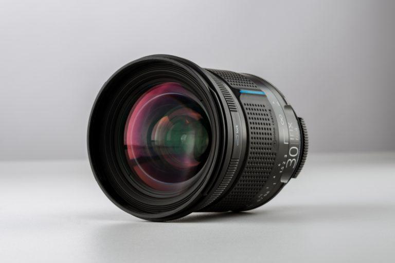Irix 30mm f/1.4 is lichtsterk objectief met 'cinelook' voor spiegelreflexen